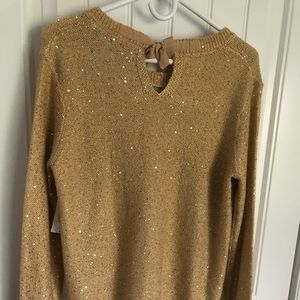 Dressy top with tag perfect for Christmas parties